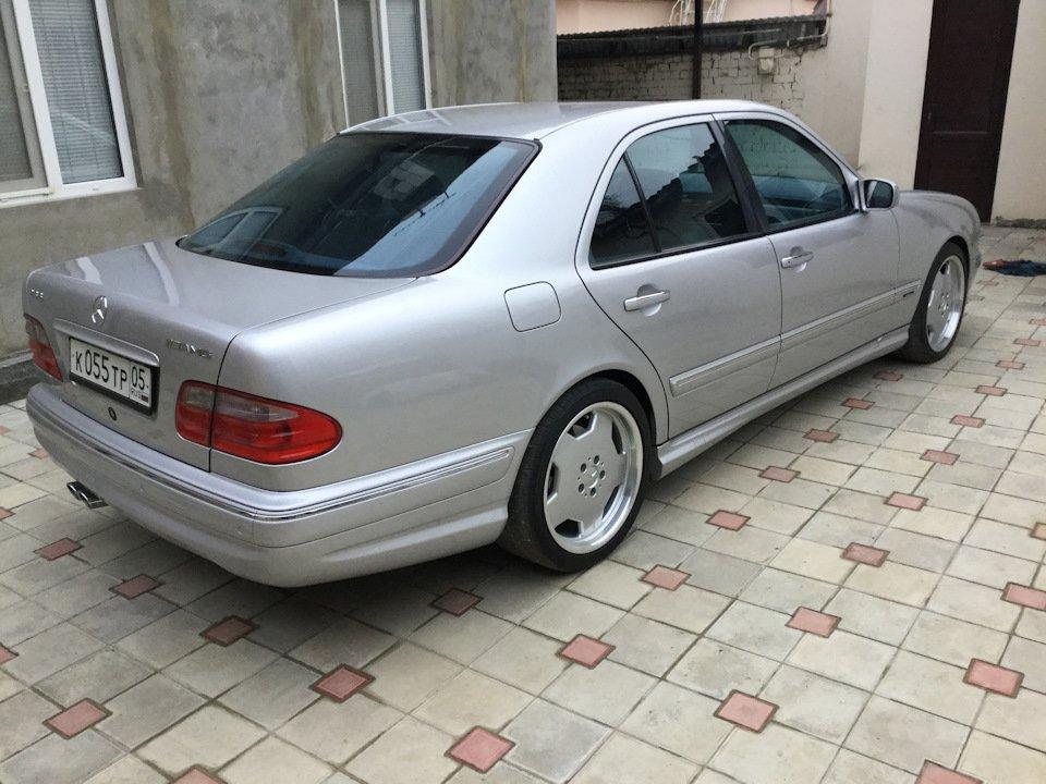 Mercedes-Benz E 55 AMG W210 (3)