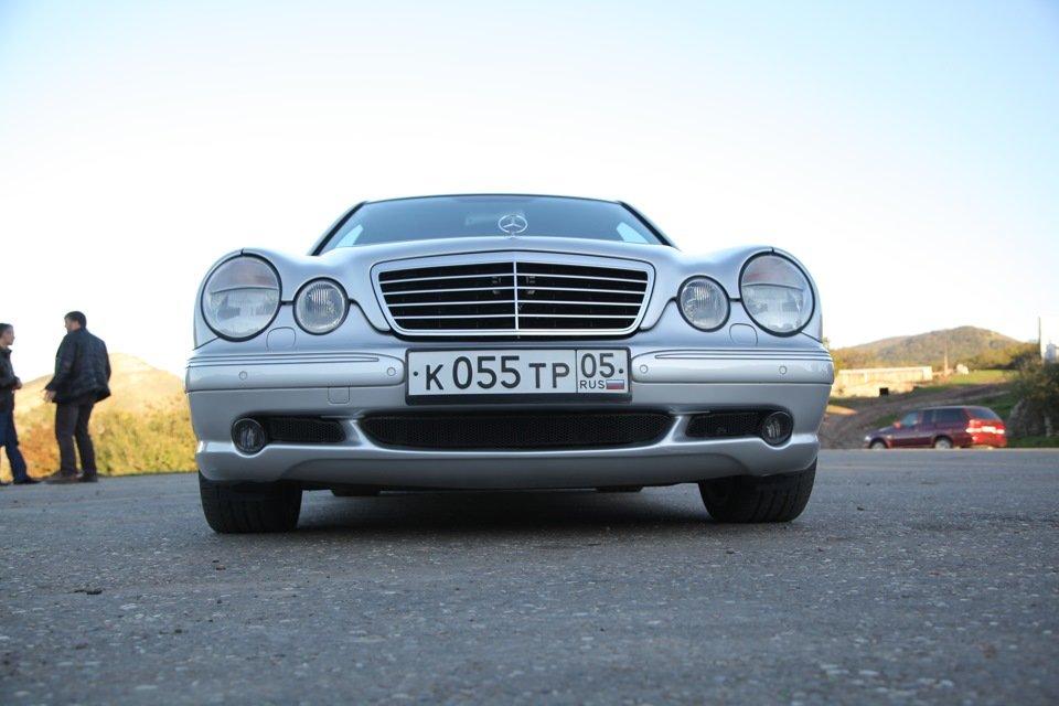 Mercedes-Benz E 55 AMG W210 (40)