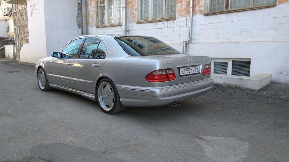 Mercedes-Benz E 55 AMG W210 (42)