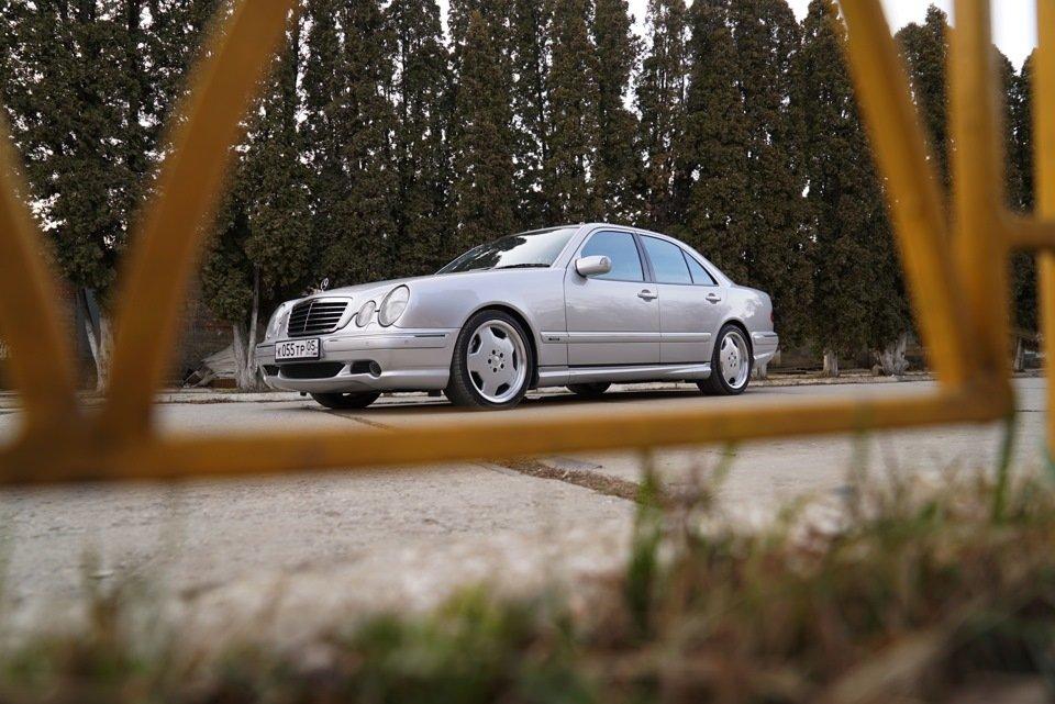Mercedes-Benz E 55 AMG W210 (46)