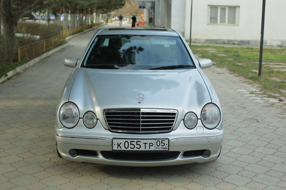 Mercedes-Benz E 55 AMG W210 (47)