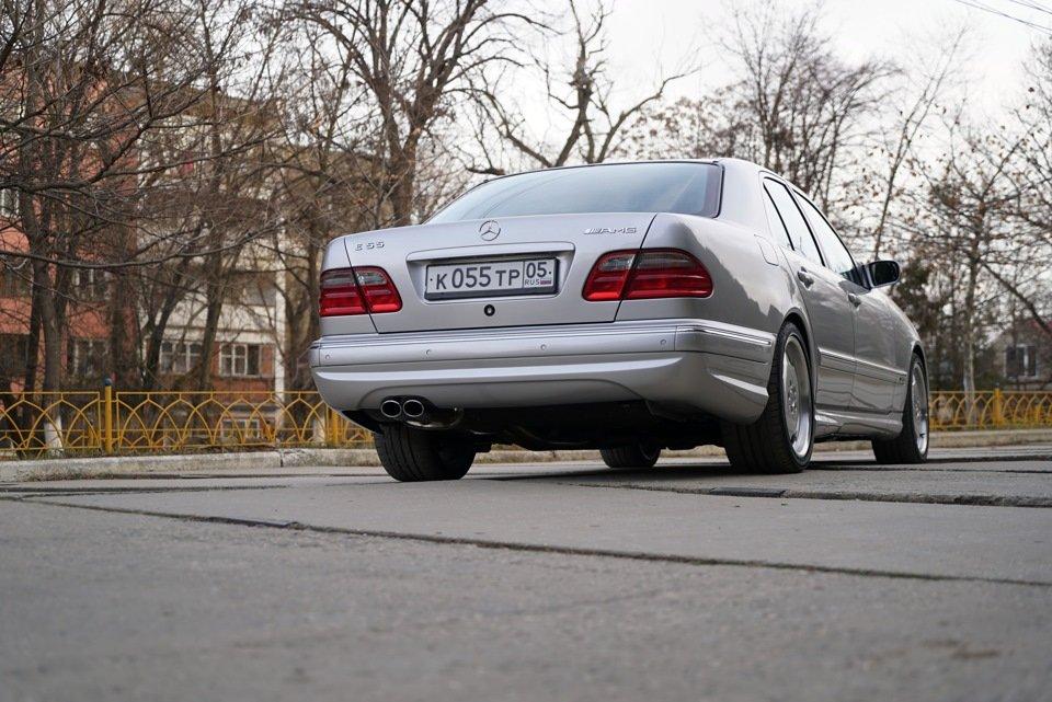 Mercedes-Benz E 55 AMG W210 (48)