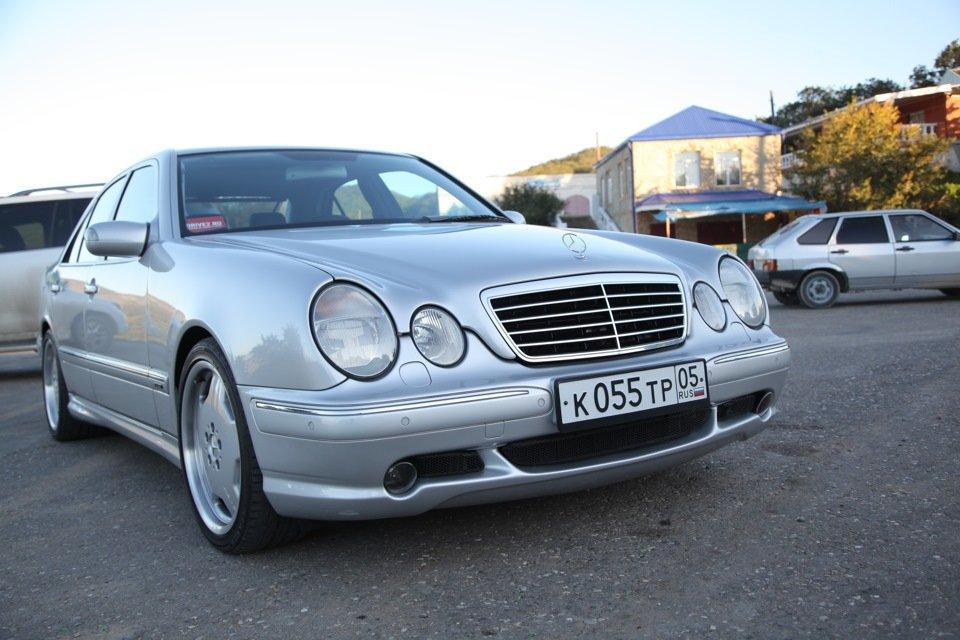Mercedes-Benz E 55 AMG W210 (51)