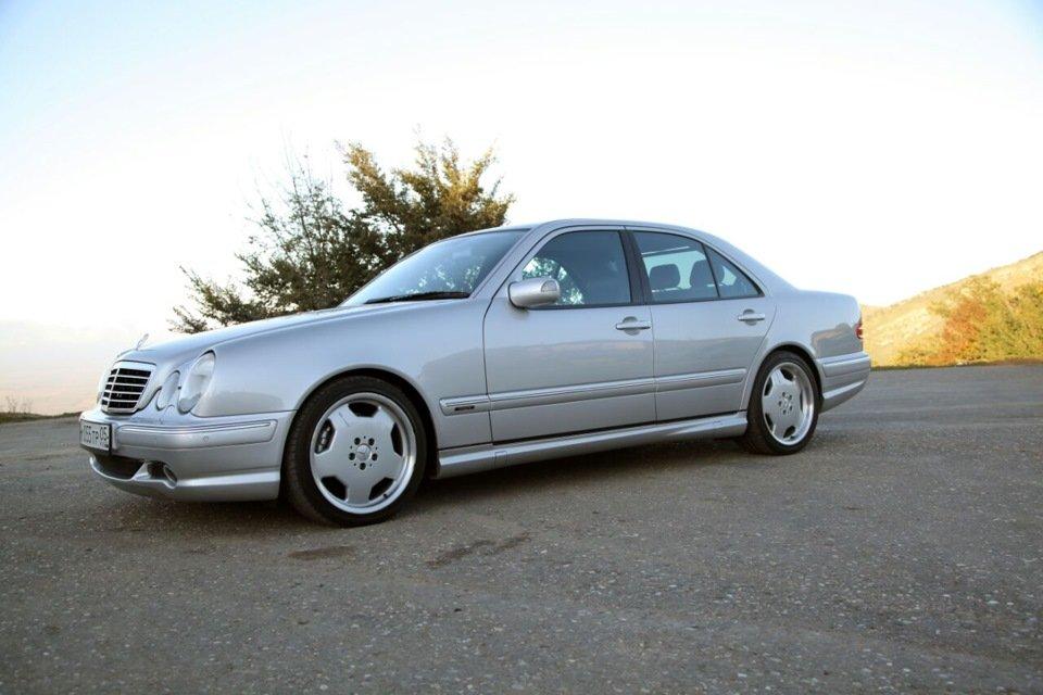 Mercedes-Benz E 55 AMG W210 (55)