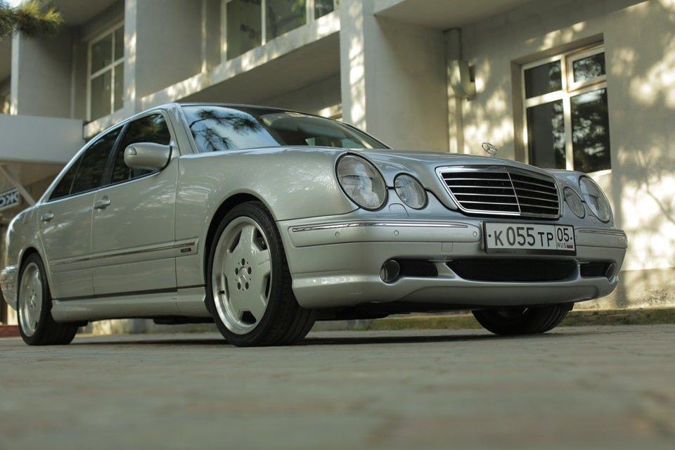 Mercedes-Benz E 55 AMG W210 (59)
