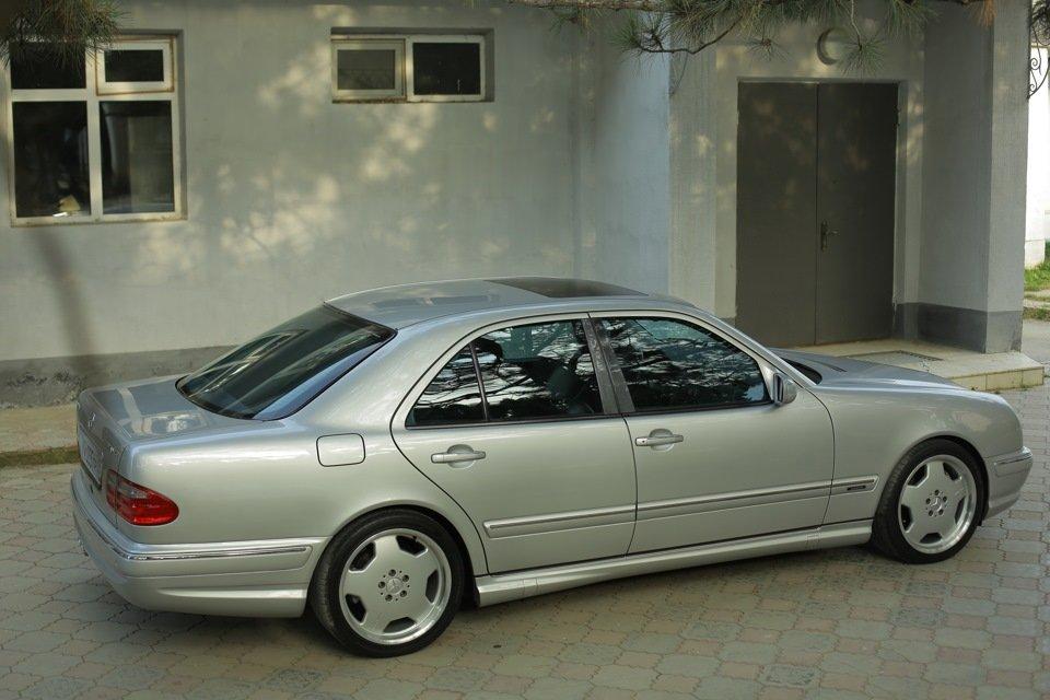 Mercedes-Benz E 55 AMG W210 (66)