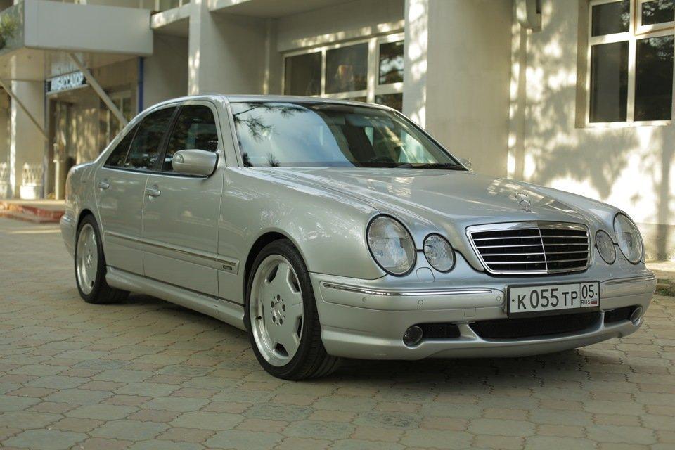 Mercedes-Benz E 55 AMG W210 (67)