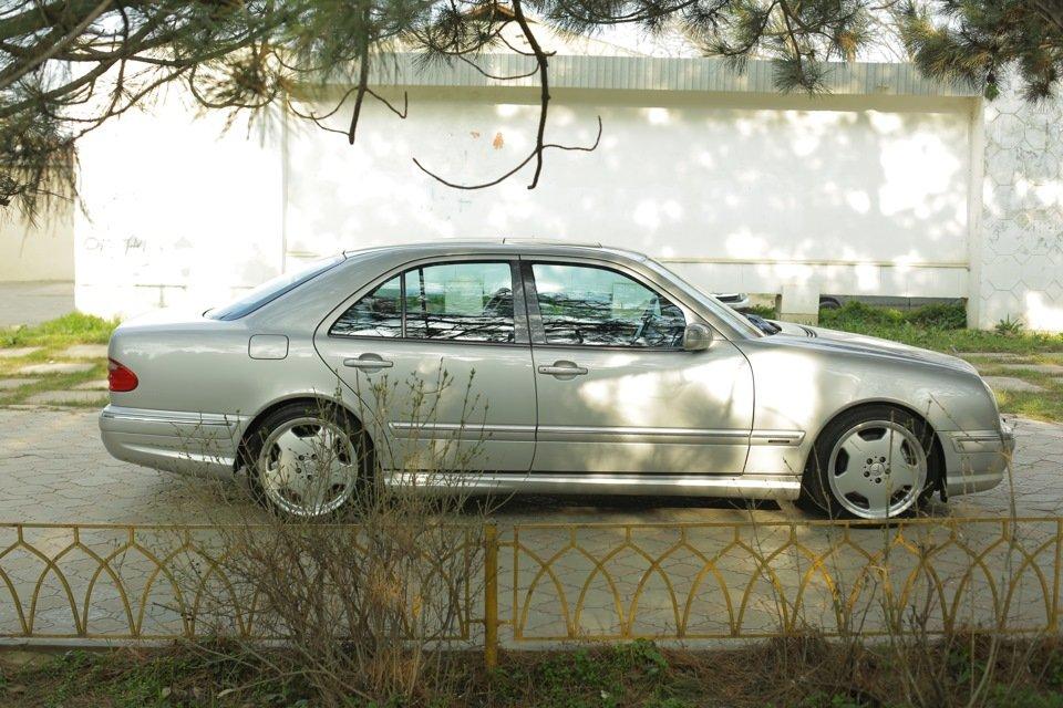 Mercedes-Benz E 55 AMG W210 (77)