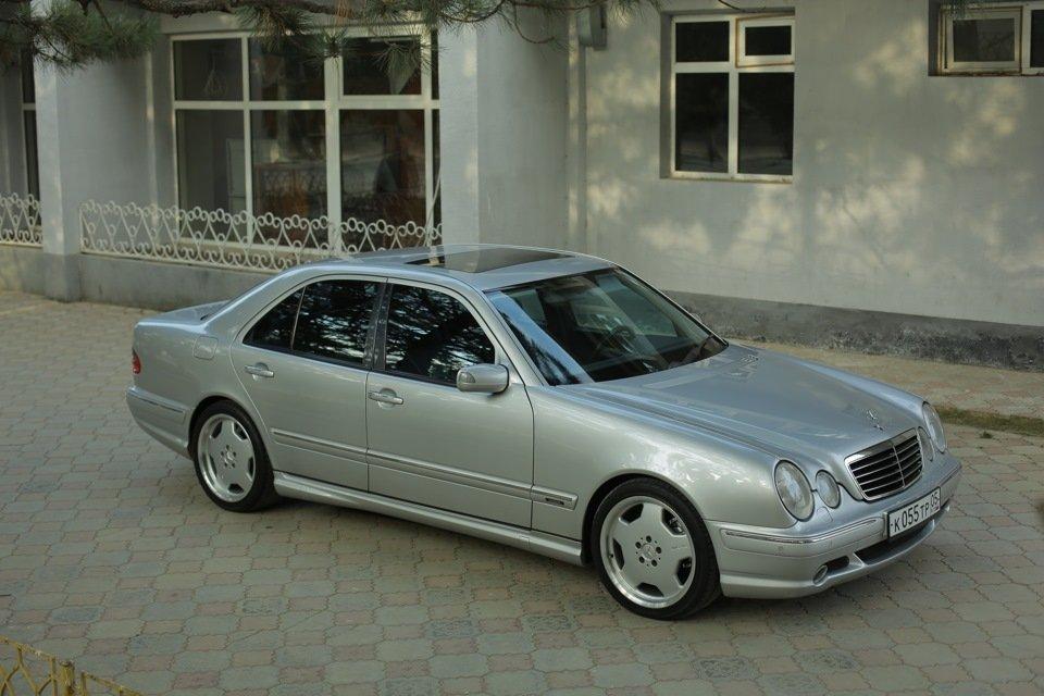 Mercedes-Benz E 55 AMG W210 (80)