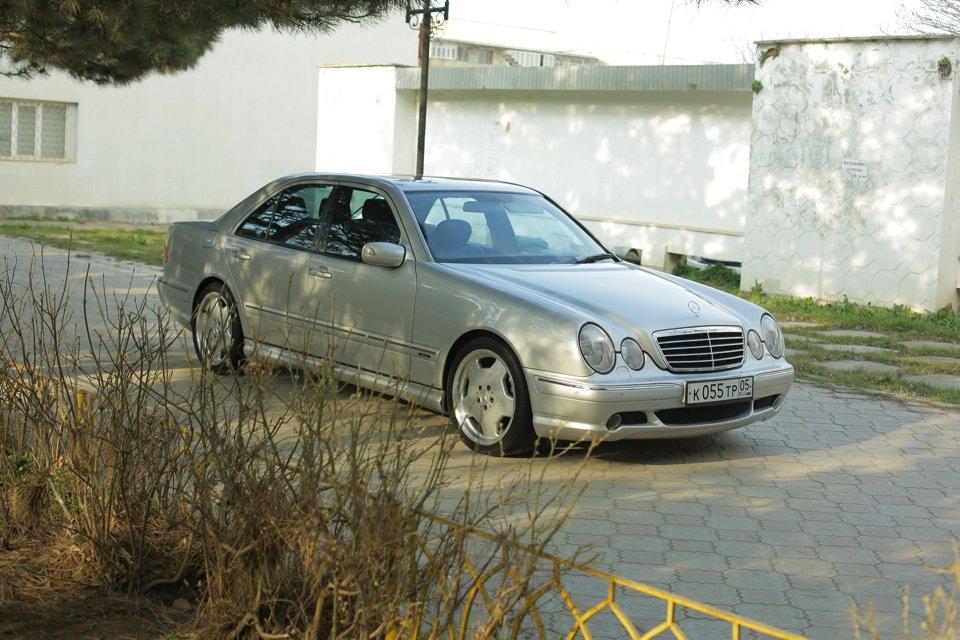 Mercedes-Benz E 55 AMG W210 (87)