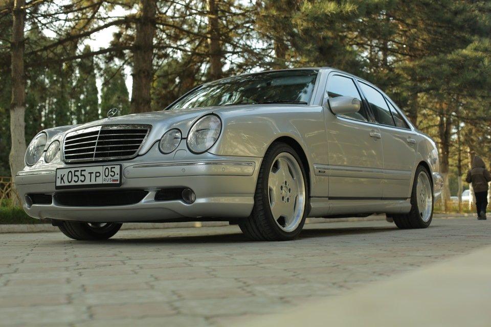 Mercedes-Benz E 55 AMG W210 (89)