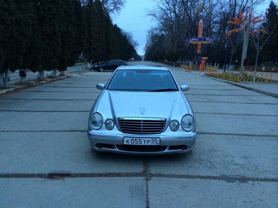 Mercedes-Benz E 55 AMG W210 (91)