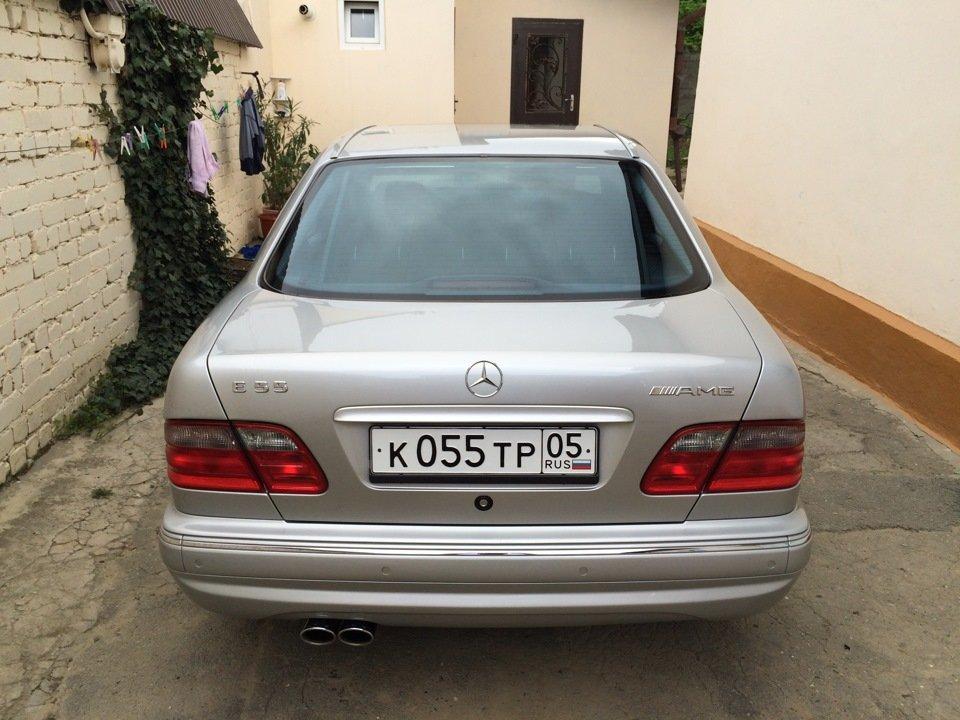 Mercedes-Benz E 55 AMG W210 (93)