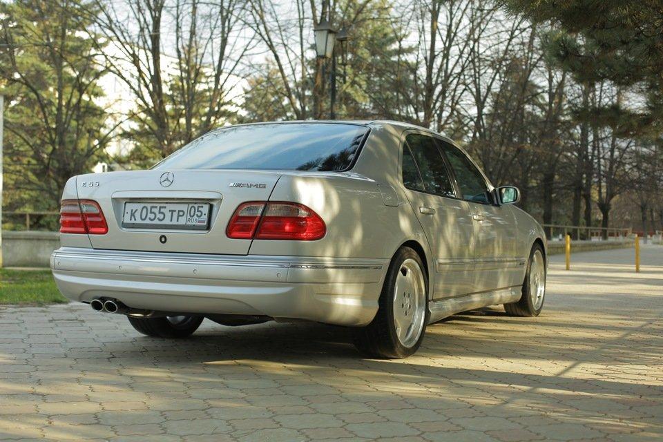 Mercedes-Benz E 55 AMG W210 (95)
