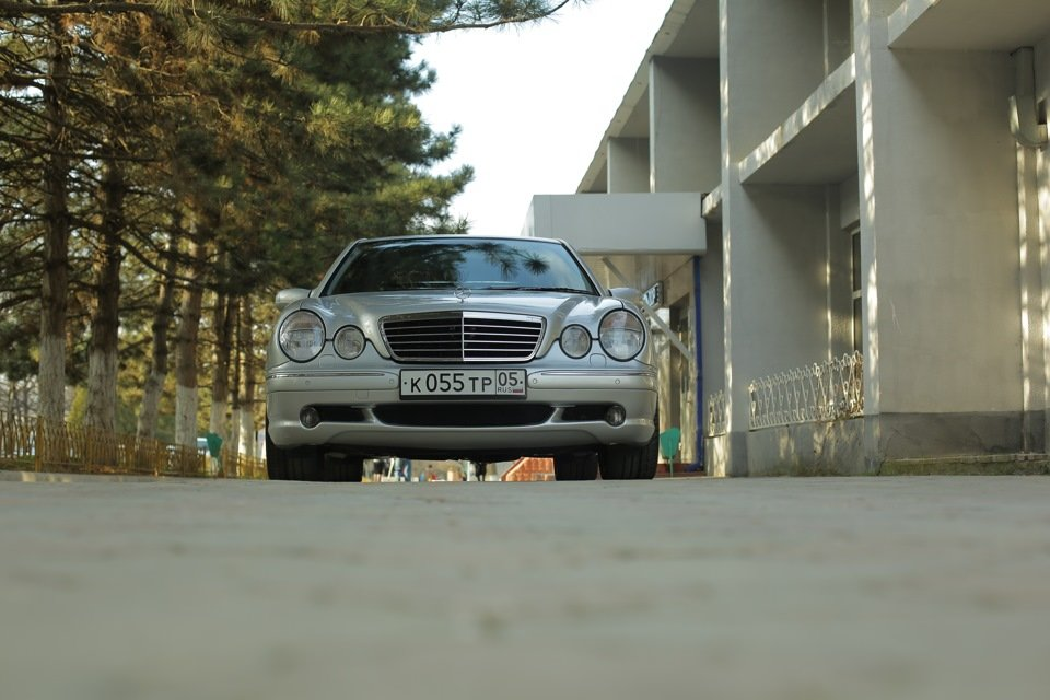 Mercedes-Benz E 55 AMG W210 (96)