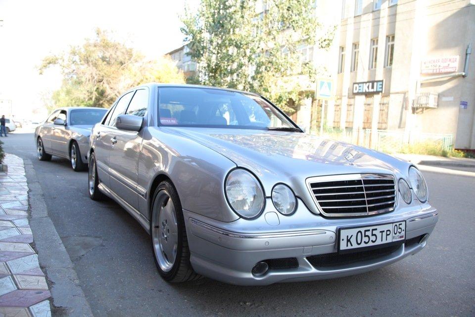 Mercedes-Benz E 55 AMG W210 (97)