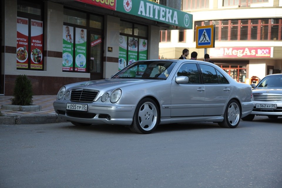 Mercedes-Benz E 55 AMG W210 (98)
