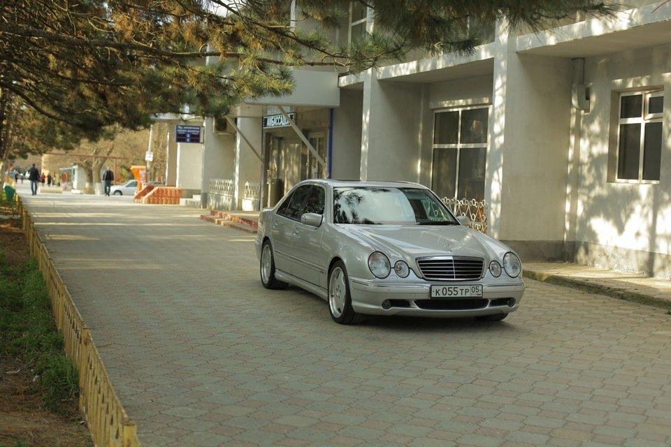Mercedes-Benz E 55 AMG W210 (99)