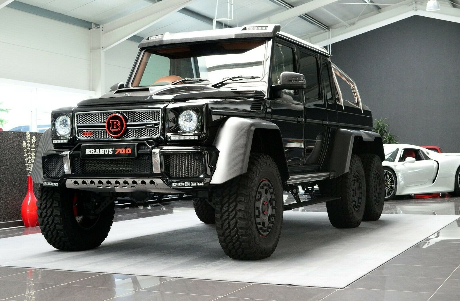 Mercedes-Benz G 63 AMG 6x6 Brabus700 - 1of15 (16)