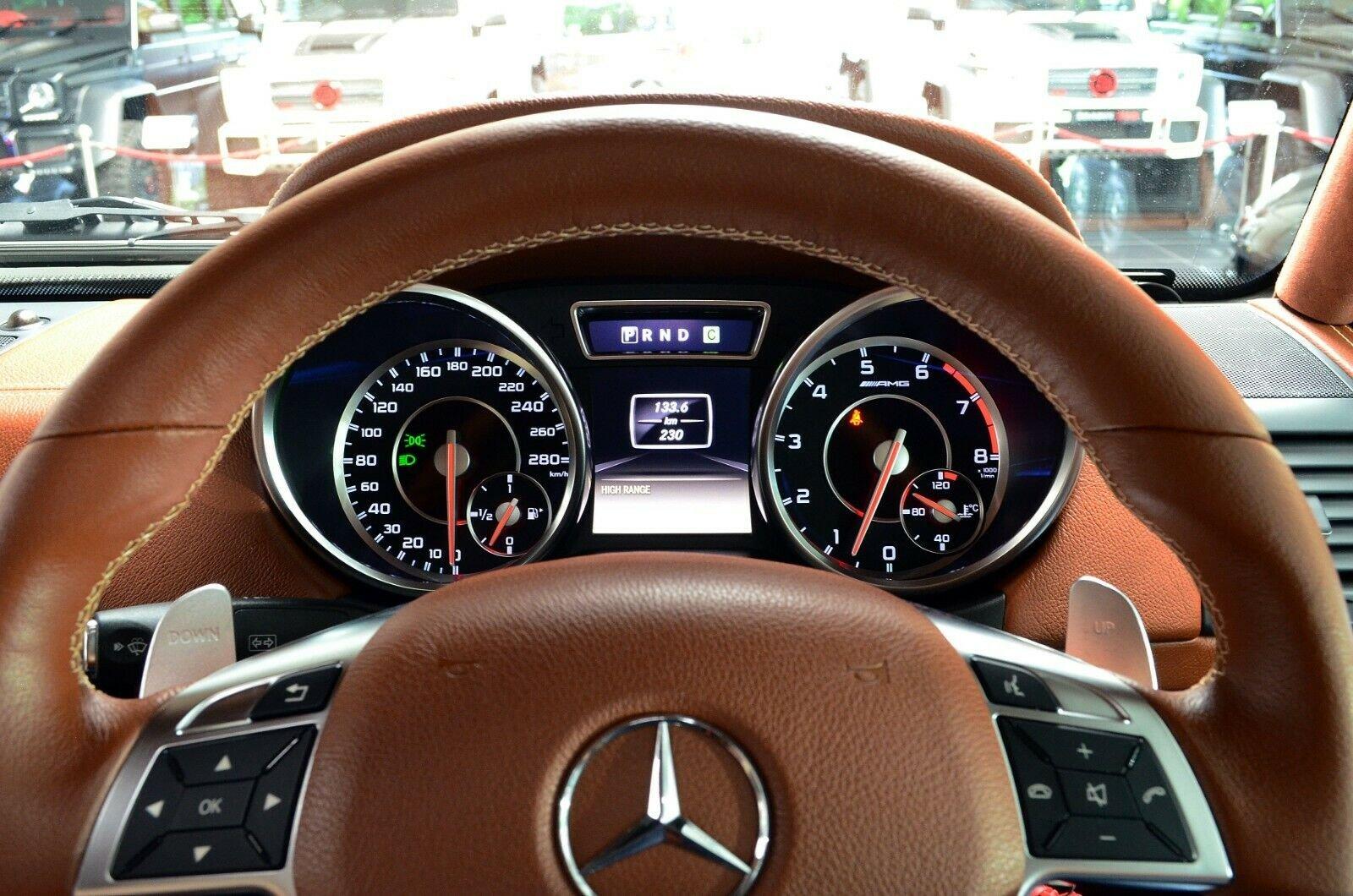 Mercedes-Benz G 63 AMG 6x6 Brabus700 - 1of15 (17)