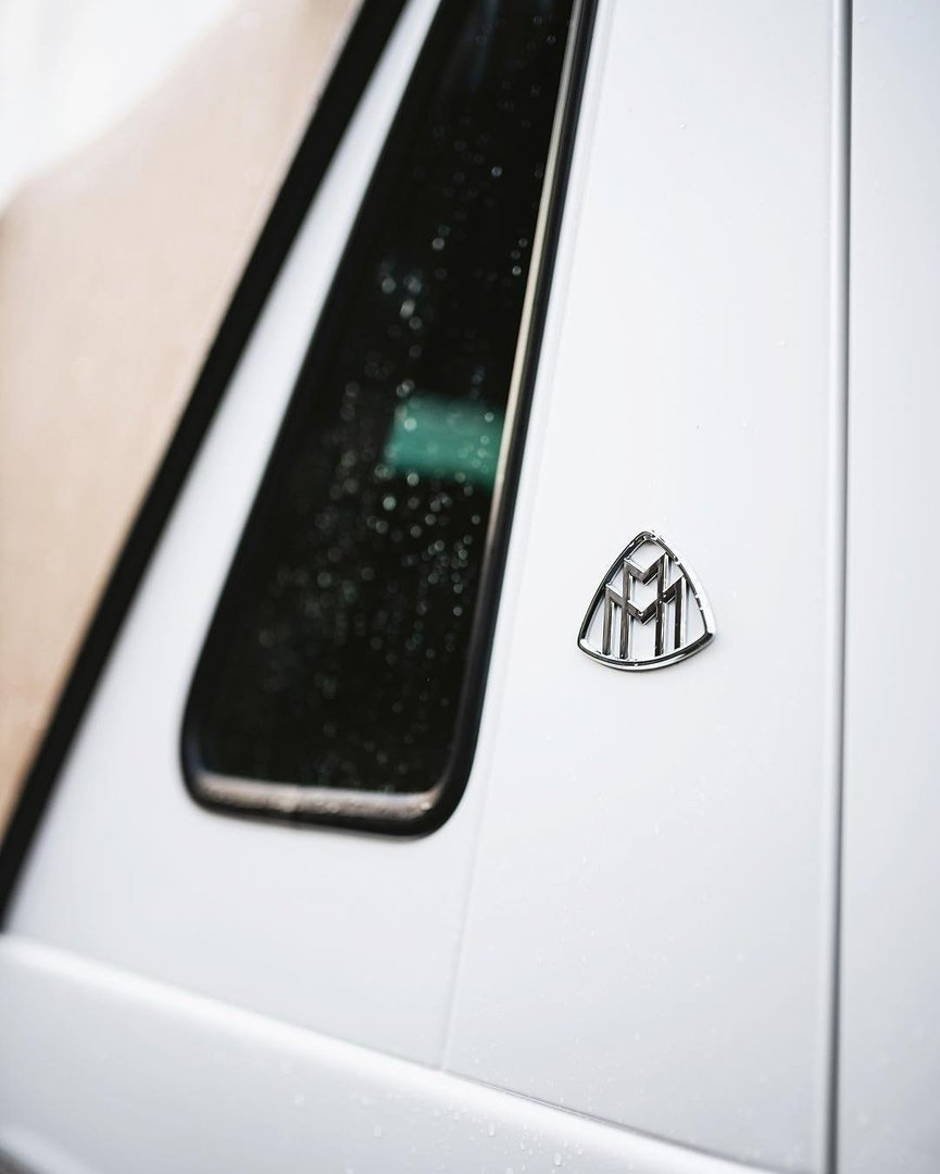 Mercedes-Benz Maybach G650 Landaulet & Brabus G 700 6x6 (1)