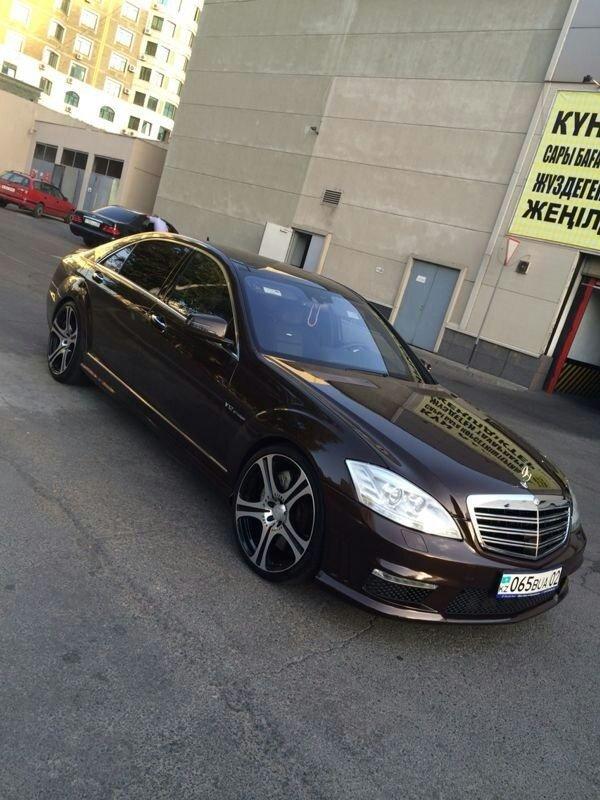 Mercedes-Benz S65 AMG W221 Designo (17)