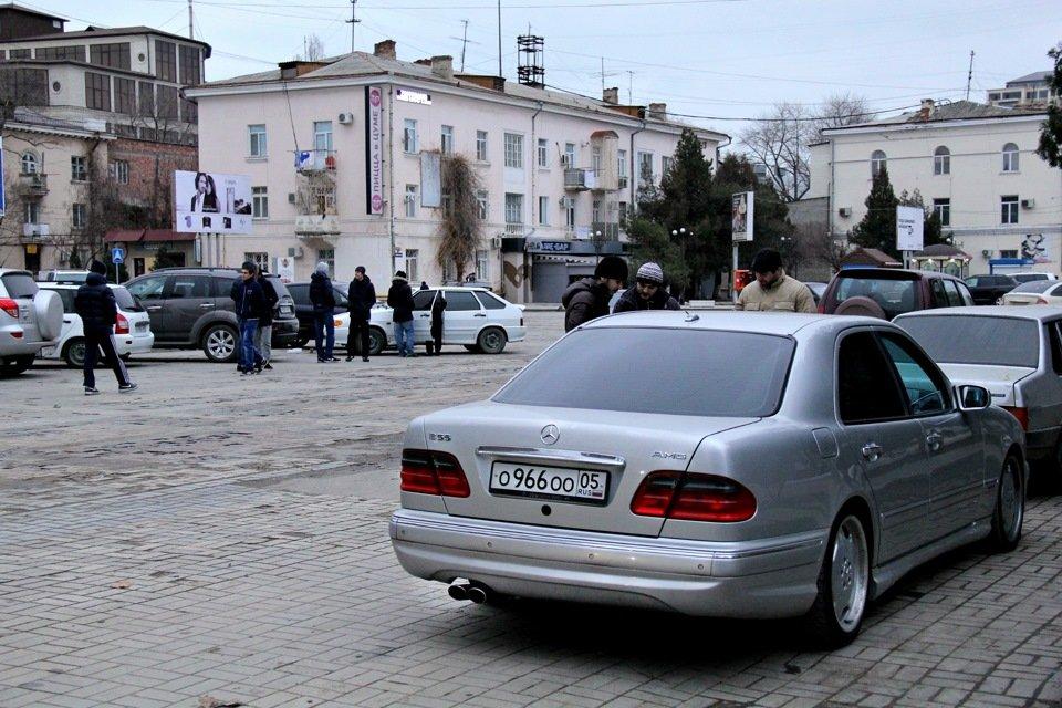 Mercedes-Benz W210 E55 AMG (10)