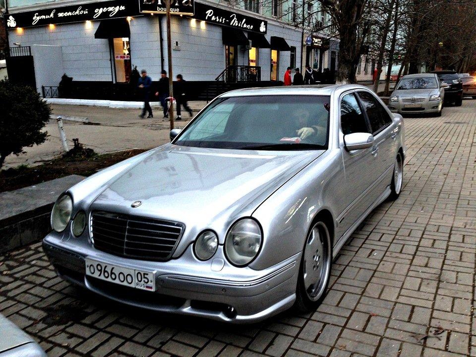 Mercedes-Benz W210 E55 AMG (13)
