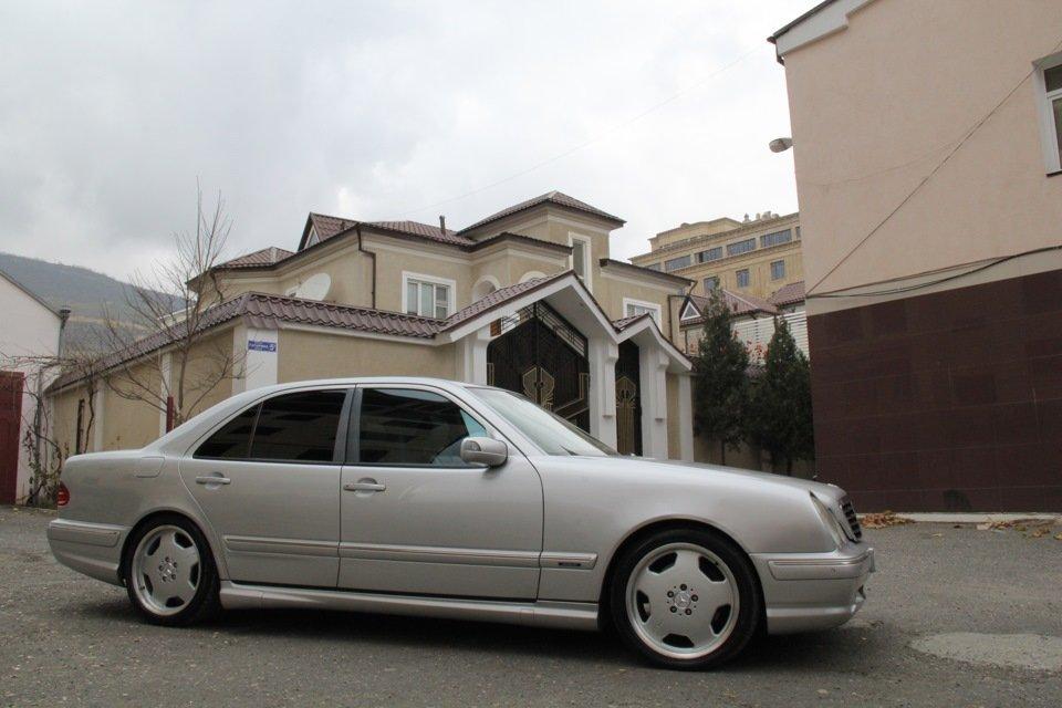 Mercedes-Benz W210 E55 AMG (14)