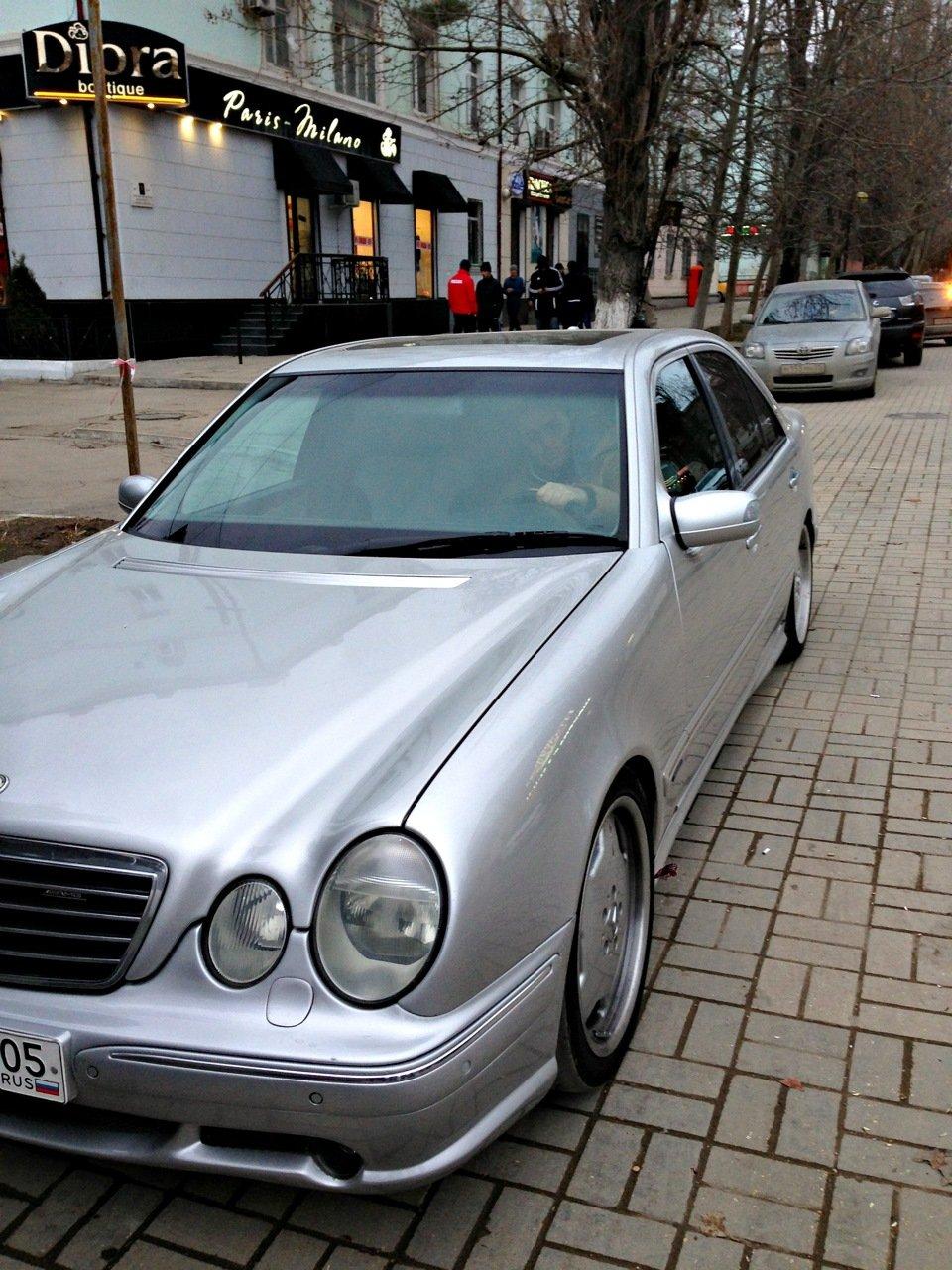 Mercedes-Benz W210 E55 AMG (20)