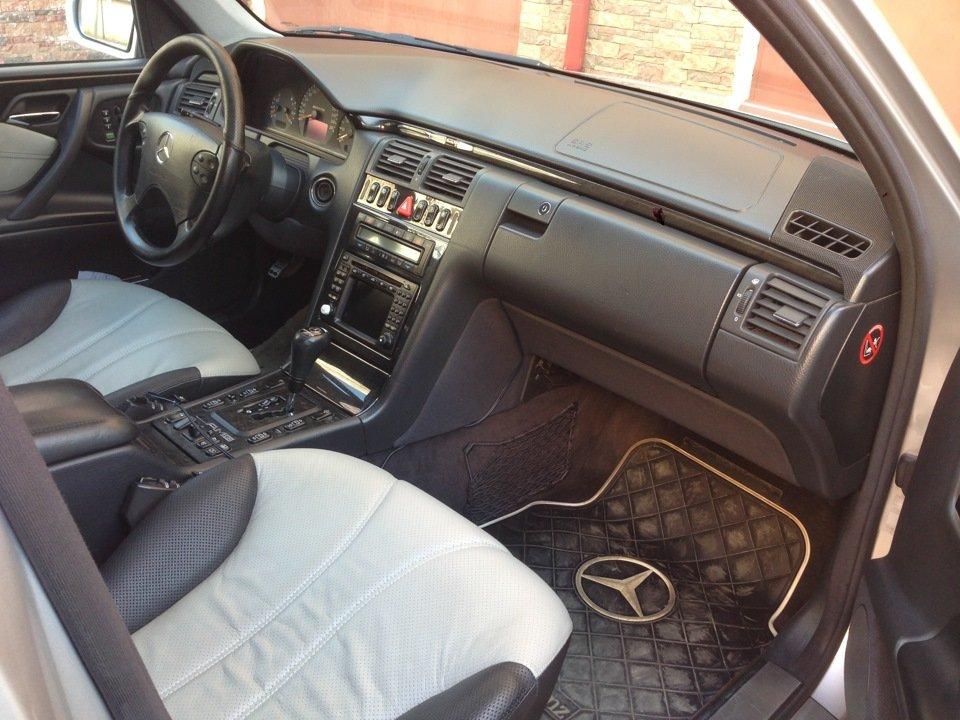 Mercedes-Benz W210 E55 AMG (22)