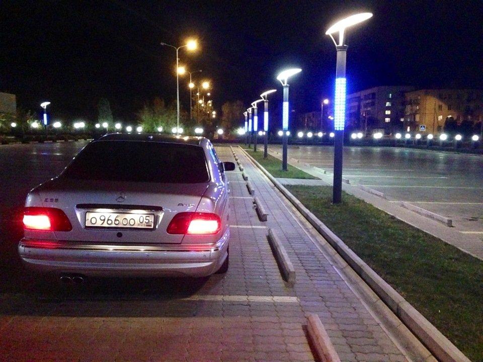 Mercedes-Benz W210 E55 AMG (28)