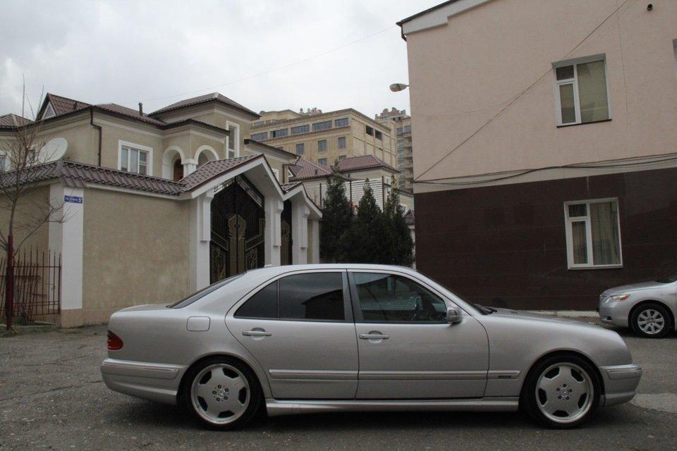 Mercedes-Benz W210 E55 AMG (29)