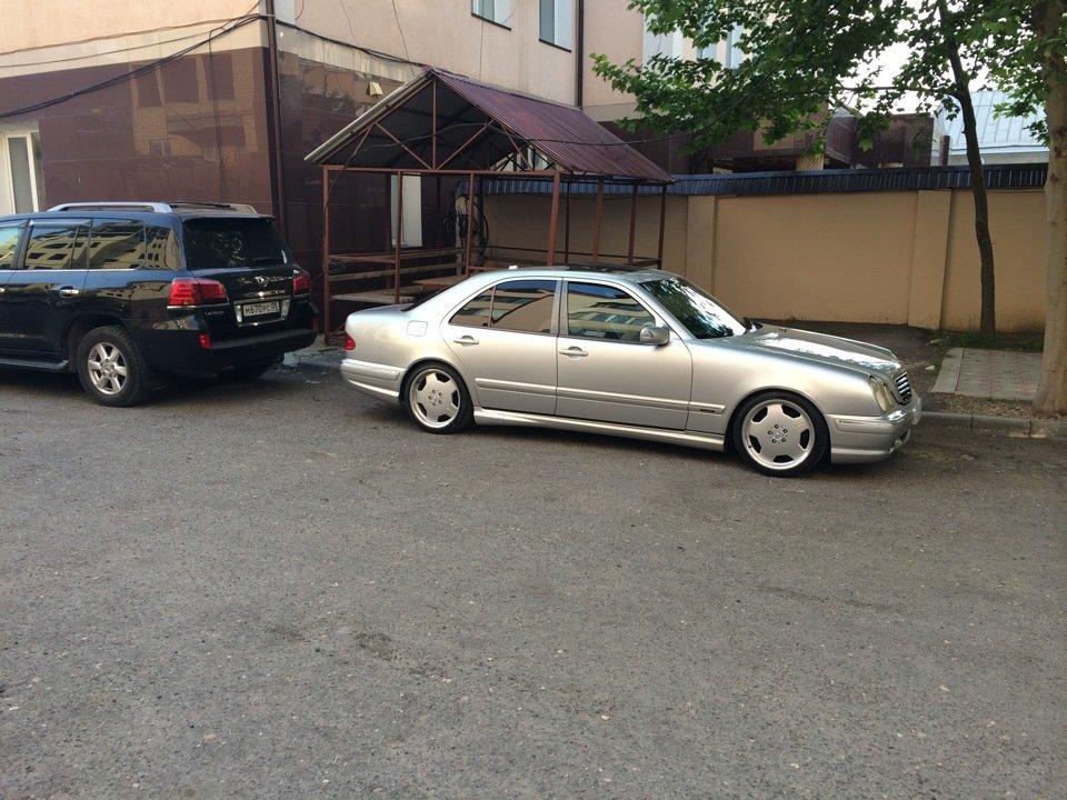 Mercedes-Benz W210 E55 AMG (30)