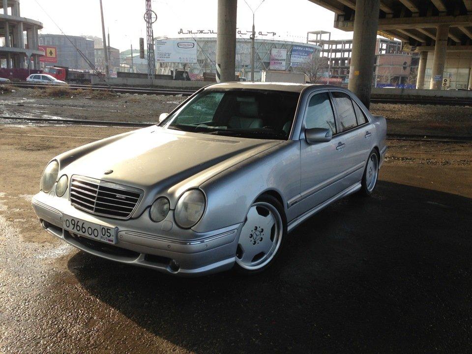Mercedes-Benz W210 E55 AMG (37)