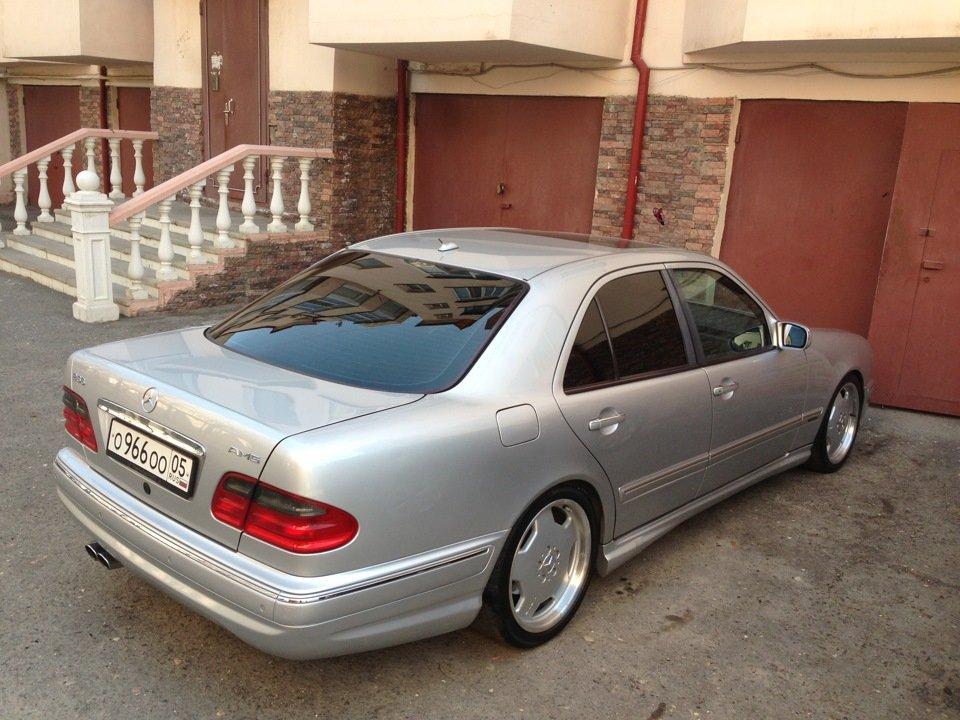 Mercedes-Benz W210 E55 AMG (40)