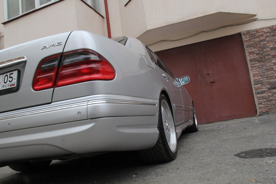 Mercedes-Benz W210 E55 AMG (41)
