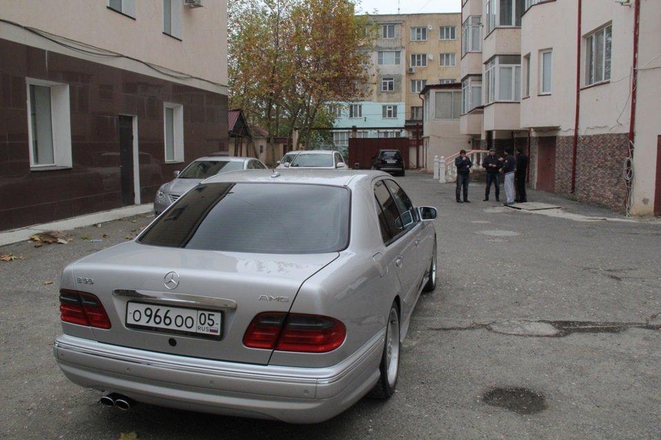 Mercedes-Benz W210 E55 AMG (42)