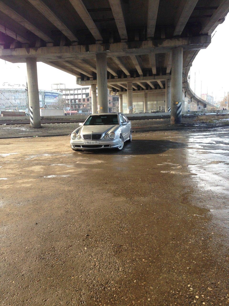 Mercedes-Benz W210 E55 AMG (45)