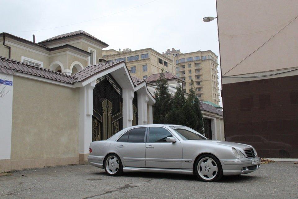 Mercedes-Benz W210 E55 AMG (7)