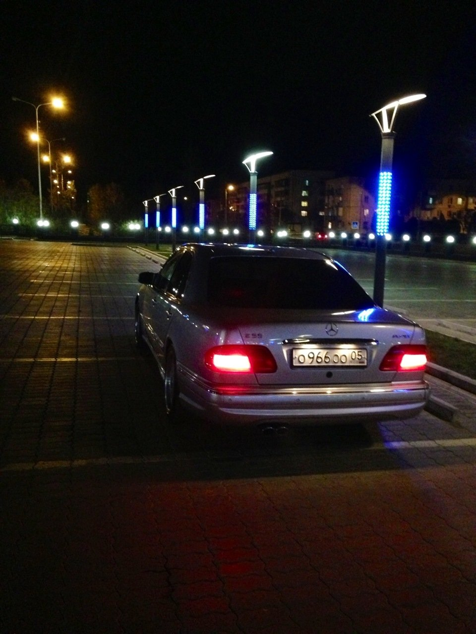 Mercedes-Benz W210 E55 AMG (8)