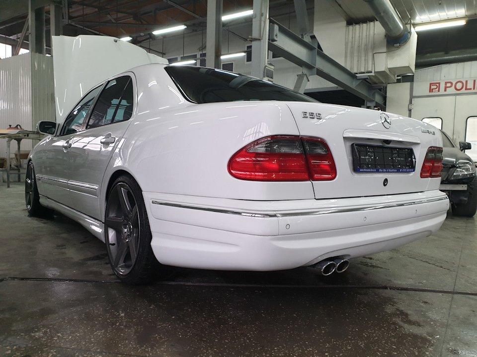 Mercedes-Benz W210 E55 Kompressor (10)