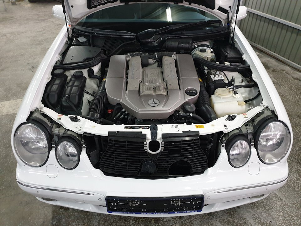 Mercedes-Benz W210 E55 Kompressor (9)