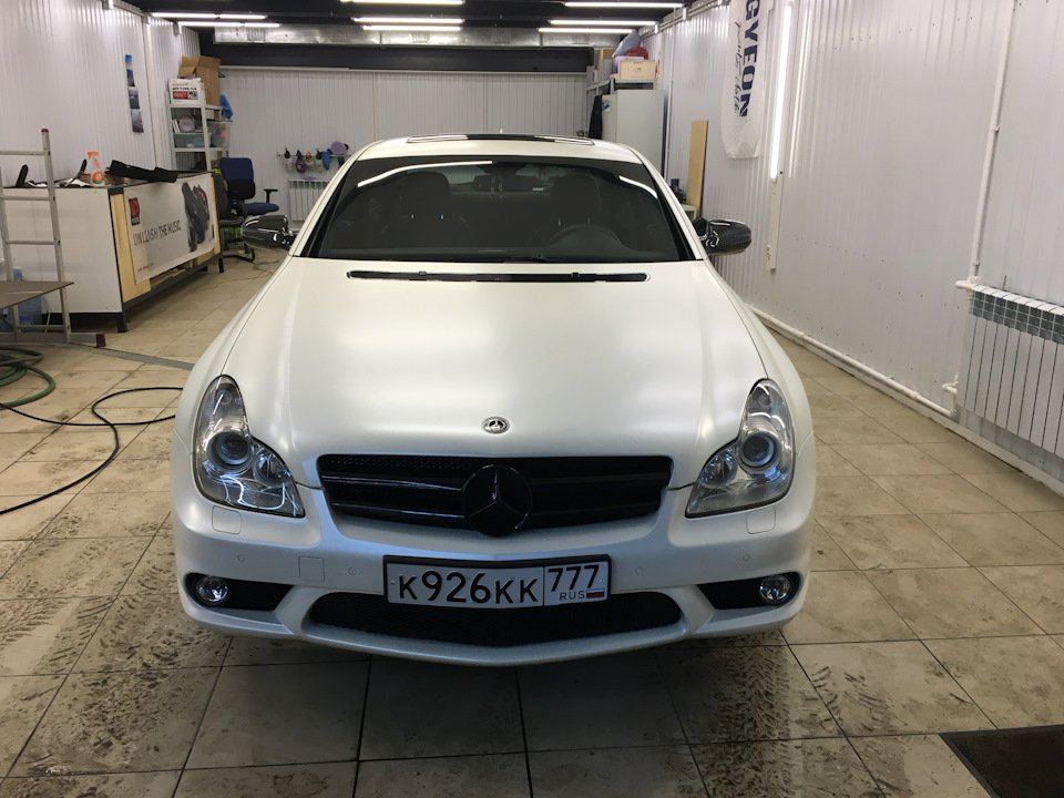 Mercedes-Benz W219 CLS Carbonized (10)