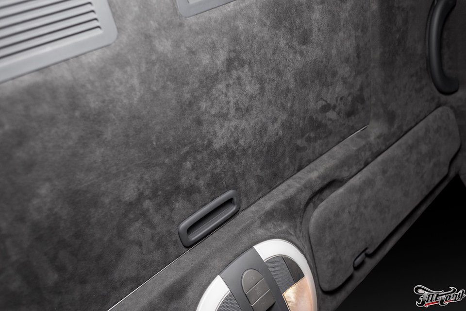 Mercedes-Benz W219 CLS Carbonized (13)