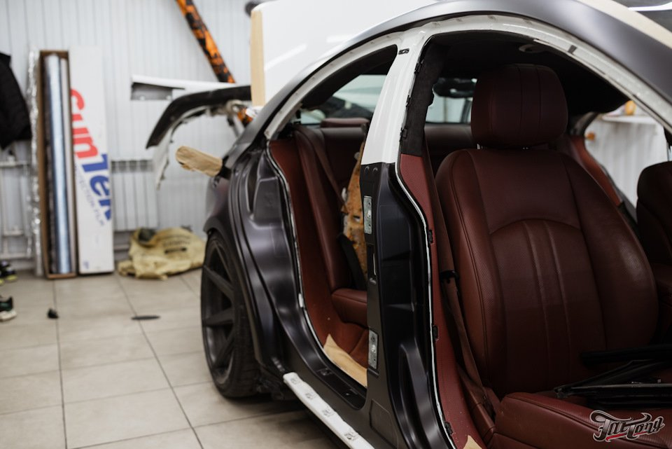 Mercedes-Benz W219 CLS Carbonized (169)