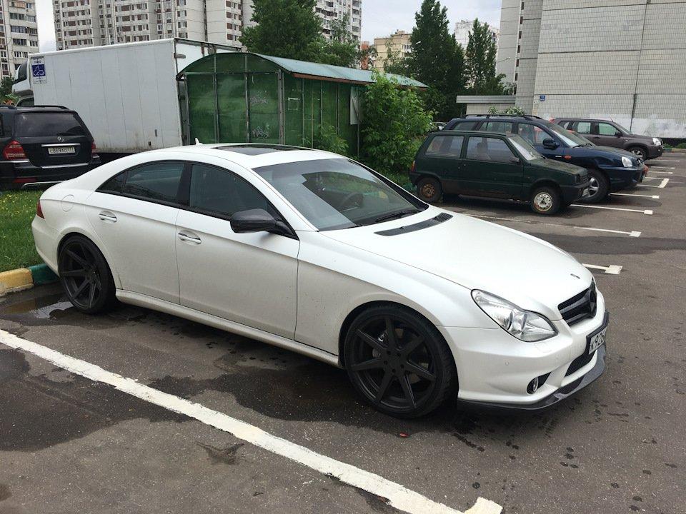 Mercedes-Benz W219 CLS Carbonized (32)