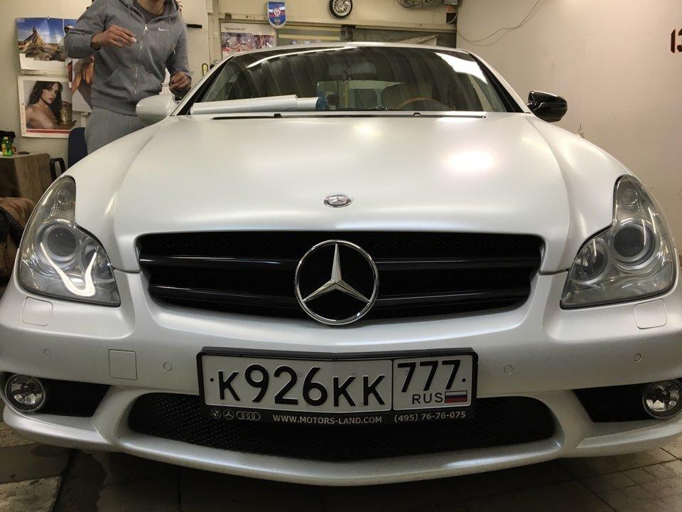 Mercedes-Benz W219 CLS Carbonized (40)
