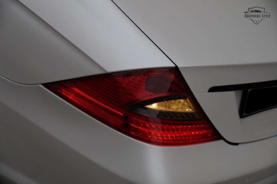 Mercedes-Benz W219 CLS Carbonized (48)