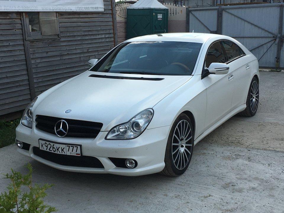 Mercedes-Benz W219 CLS Carbonized (49)
